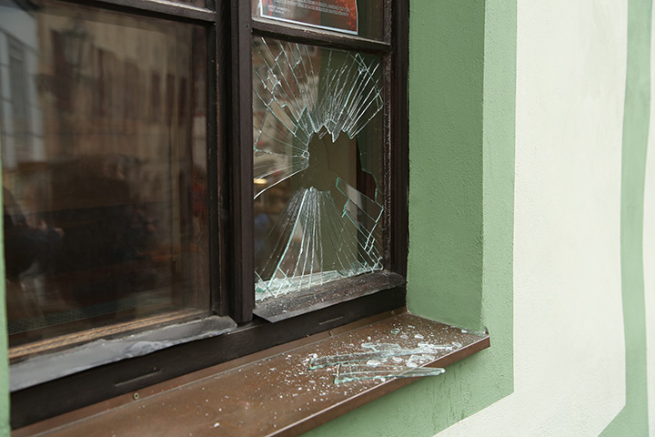 A2B Glass are able to board up broken windows while they are being repaired in Penge.